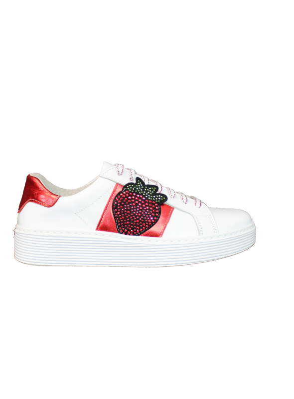 Sneakers Blanches et Rouges + Fraise Strass Ovyé