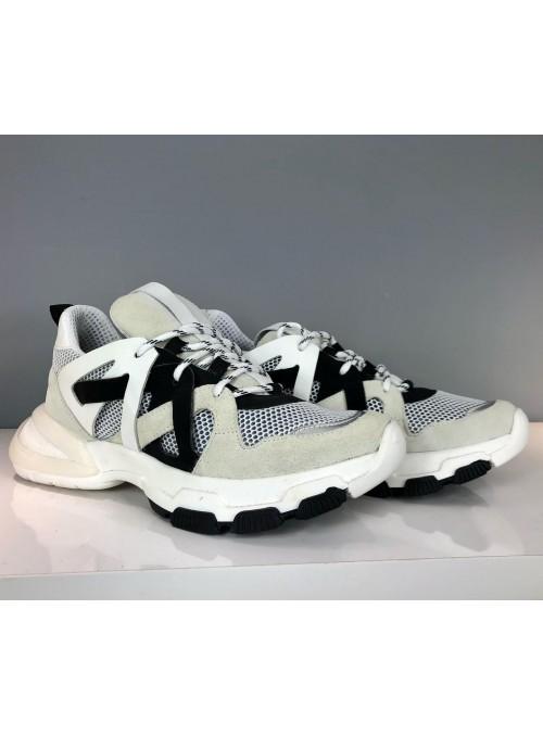 Sneakers blanches et noires à plateformes